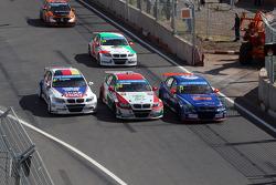 07.04.2013- Race 1,Franz Engstler, BMW E90 320 TC, Liqui Moly Team , Mehdi Bennani, BMW E90 320 TC,