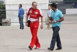 Stefano Domenicali, Ferrari et Karun Chandhok