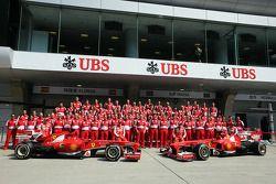 Photo d'équipe chez Ferrari
