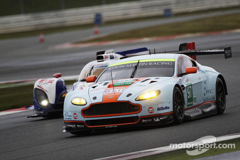 Darren Turner, Stefan Mücke, Bruno Senna, Aston Martin Vantage V8