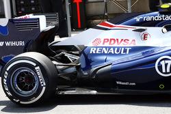 Williams FW35: suspensão traseira e escapamento
