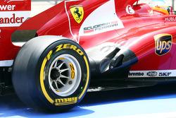 Fernando Alonso, e o exaustor da Ferrari F138