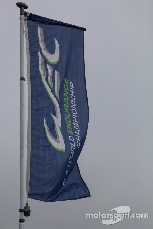 Bandeira do WEC tremulando em Silverstone