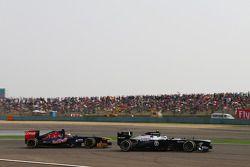 Valtteri Bottas, Williams FW35 et Jean-Eric Vergne, Scuderia Toro Rosso STR8
