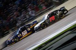 Martin Truex Jr., Michael Waltrip Racing Toyota en Kurt Busch, Furniture Row Racing Chevrolet