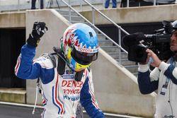 El ganador de la pole Alexander Wurz