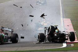 Big crash for Esteban Gutierrez, Sauber C32