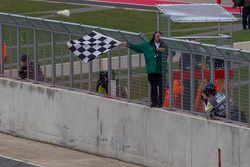 Checkered flag for the 6 Hours of Silverstone