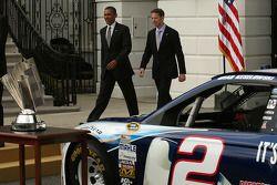 Presidente Barack Obama com 2012 series champion Brad Keselowski