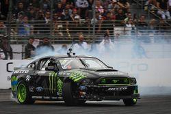 Vaughn Gittin Jr, Nitto Tire / Monster Energy Ford Mustang
