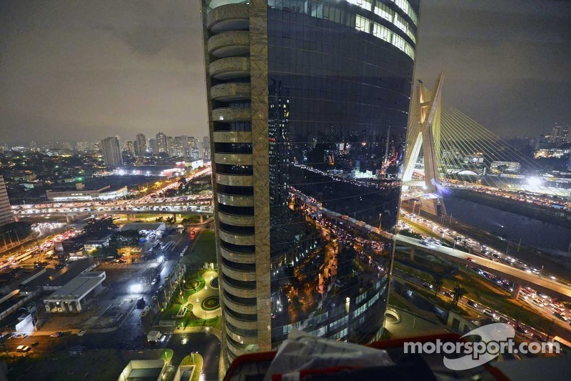 Sao Paolo by night