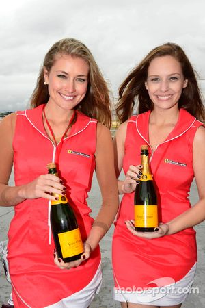 Lovely Ferrari girls