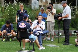 Will Buxton, NBS Sports Network TV Sunucusu ve Sebastian Vettel, Red Bull Racing