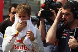 Sebastian Vettel, Red Bull Racing ve Guillaume Rocquelin, Red Bull Racing yarış mühendisi gridde