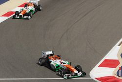 Paul di Resta, Sahara Force India VJM06 et Adrian Sutil, Sahara Force India VJM06