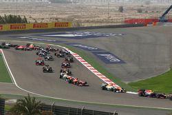 Sebastian Vettel, Red Bull Racing RB9 et Paul di Resta, Sahara Force India VJM06