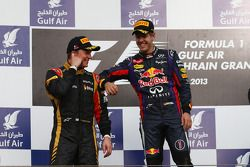 Podium: 2. Kimi Räikkönen, Lotus F1 Team, und 1. Sebastian Vettel, Red Bull Racing