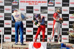 Takuma Sato, A.J. Foyt Enterprises Honda, Graham Rahal, Rahal Letterman Lanigan Racing Honda et Just