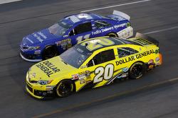 Matt Kenseth, Joe Gibbs Racing Toyota et Brian Vickers, Joe Gibbs Racing Toyota