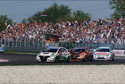 Tiago Monteiro, Honda Civic Super 2000 TC, Honda Racing Team Jas lidera Norbert Michelisz, Honda Civ