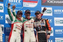 Gabriele Tarquini, Honda Civic, Honda Racing Team J.A.S. race winner, 2nd position Tiago Monteiro, Honda Civic Super 2000 TC, Honda Racing Team Jas and Norbert Michelisz, Honda Civic, Zengo Motorsport