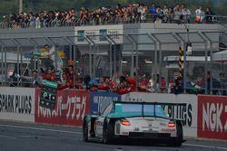 #36 Lexus Team Petronas Tom's Lexus SC430: Kazuki Nakajima, James Rossiter wint de GT500-klasse