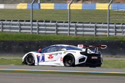 Flat tire for #9 Sébastien Loeb Racing Mc Laren MP4/12C: Nicolas Tardiff, Nicolas Marroc