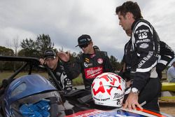 Todd Kelly e Rick Kelly com Nathan Pretty
