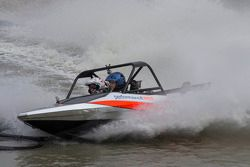 Todd Kelly tenta jet boat racing