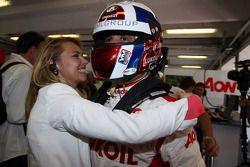 Yvan Muller, Chevrolet Cruze 1.6T, RML pole position met zijn vriendin Justine Monnier
