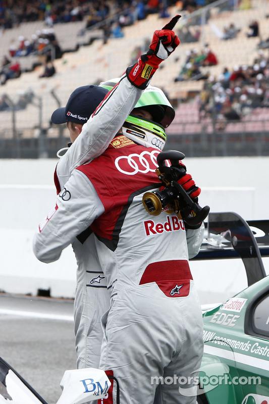 pole Timo Scheider, Audi Sport Team Abt Audi RS 5 DTM com Mattias Ekström, Audi Sport Team Abt Sportsline, Audi RS 5 DTM