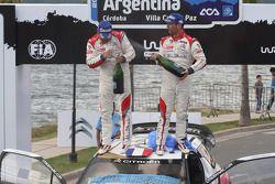 pódio: vencedores Sébastien Loeb e Daniel Elena, Citroën DS3 WRC, Citroën Total Abu Dhabi World Rali