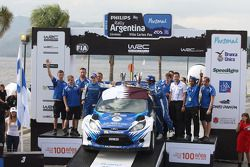 Podium: Abdulaziz Al Kuwari et Killian Duffy, Ford Fiesta