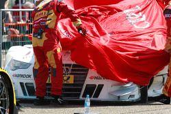Carro de Adrien Tambay, Audi Sport Team Abt Audi RS 5 DTM após fire no parque fechado