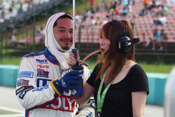 Charles Ng, BMW E90 320 TC, Liqui Moly Team Engstler with his girlfriend