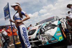 Pepe Oriola, SEAT Leon WTCC, Tuenti Racing en Grid Girl