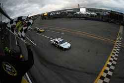 David Ragan, Frontrow Motorsports Ford takes the win