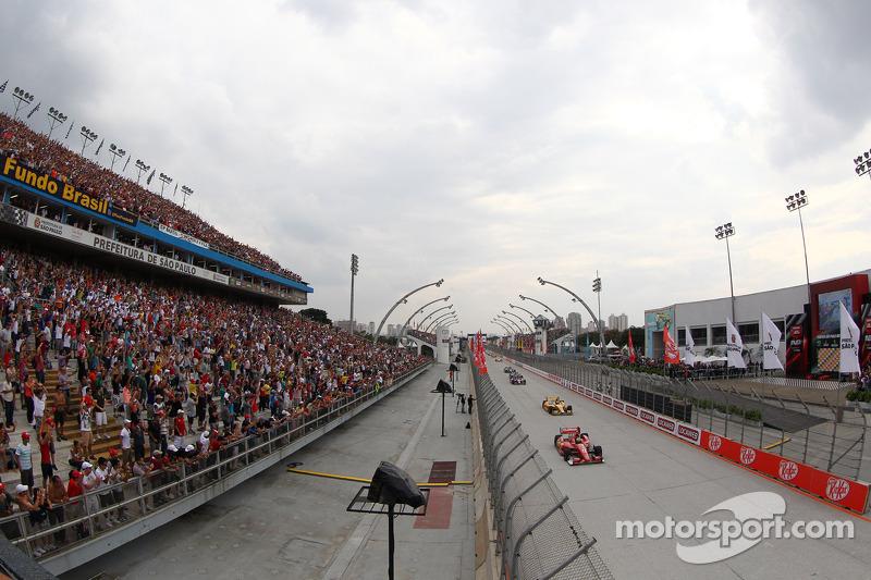Ainda na Fórmula E, São Paulo chegou a ser confirmada como local de etapa em 2018, no dia 17 de março, mas por uma série de questões ligadas à pista do Anhembi, os organizadores da categoria tiraram a corrida do local que recebeu a Indy.