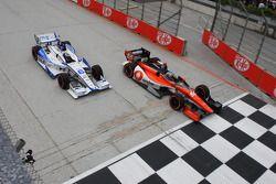 Tristan Vautier, Schmidt Peterson Motorsport Honda and Sebastian Saavedra, Dragon Racing Chevrolet