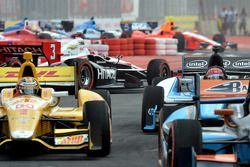 Trouble for Helio Castroneves, Team Penske Chevrolet