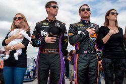 Denny Hamlin, Joe Gibbs Racing Toyota, e Brian Vickers, Joe Gibbs Racing Toyota