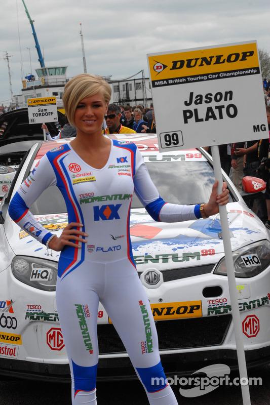 MG KX Momentum Racing grid girl