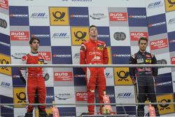 Podium; 2e plaats Felix Serralles