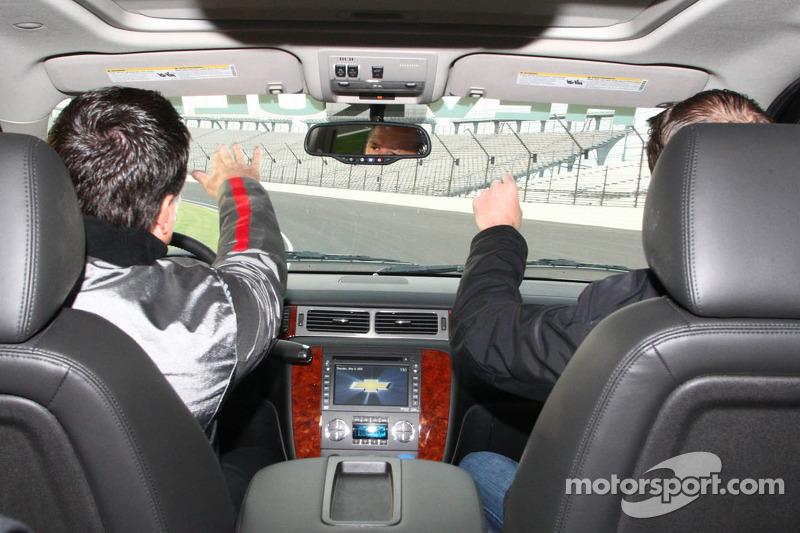 Michael Andretti en Kurt Busch op de baan