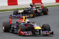 Sebastian Vettel, Red Bull Racing devance Daniel Ricciardo, Scuderia Toro Rosso