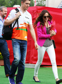 Paul di Resta, Sahara Force India F1 ve kız arkadaşı Laura Jordan