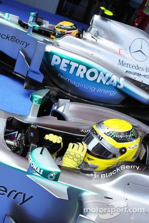 Nico Rosberg, Mercedes AMG F1 W04 et Lewis Hamilton, Mercedes AMG F1 W04