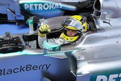 Ganador de la pole position Nico Rosberg, Mercedes AMG F1 W04 celebra en parc ferme
