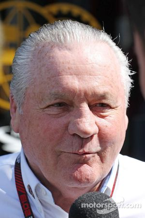 Alan Jones, Commissaire-pilote de la FIA