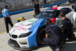#56 BMW in the pit
